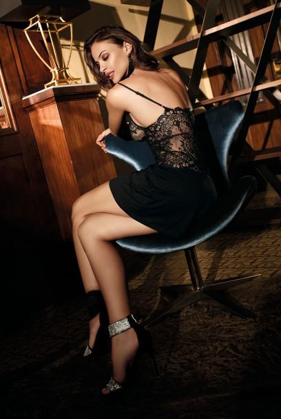 Nuisette Angelina sexy sans manche dentelle et fines bretelles.