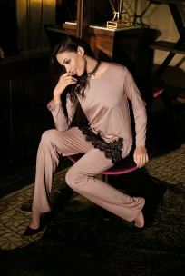 Pyjama Angelina 2 pieces chic, muslin tie and lace. Long pants
