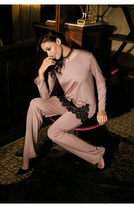 Pyjama 2 pieces chic, muslin tie and lace. Long pants