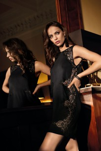 Mid-thigh length nightdress so chic sleeveless and lace