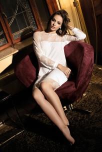 Halblanges Nachthemd Gia mit langen Ärmeln und Spitze im Tunika-Stil