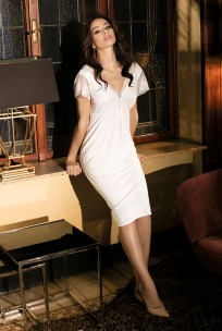 Mid-length nightdress short sleeves round neckline with lace