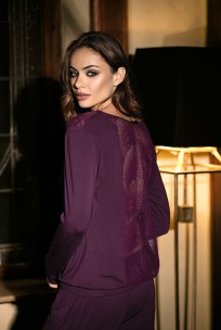Pyjama 2 pieces long sleeves lace on neckline and back