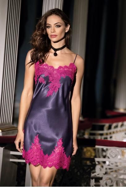 Nuisette Violetta corsetée fines bretelles et dentelle
