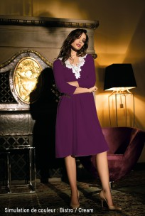 Nightdress  ¾ sleeves, knee-length lace on neckline