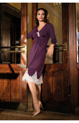 Nightdress knee-length . Lace. Wrinkling under the bust line