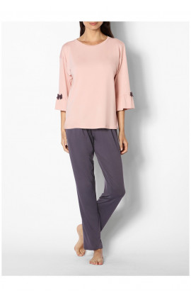 Two-tone pyjamas with round neck top featuring flared three-quarter sleeves