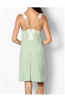 Chemise de nuit décolleté profond et fines bretelles ornées de dentelle Ligne June coemi-lingerie