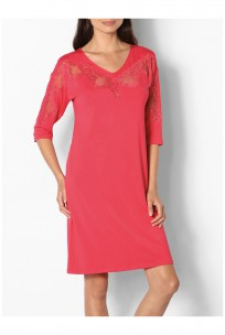 Tunic nightdress with three-quarter sleeves and lace-trimmed V-neck