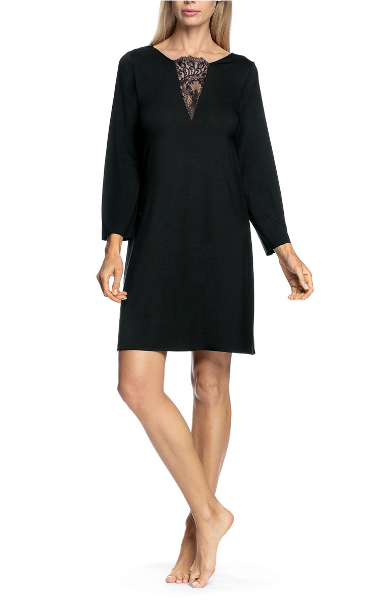 Long-sleeved or three-quarter sleeved nightdress with round, lace-trimmed neckline
