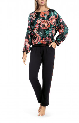 Blouse with long, loose-fitting sleeves and floral pattern
