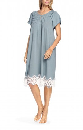 Short-sleeved frilly nightdress with lace
