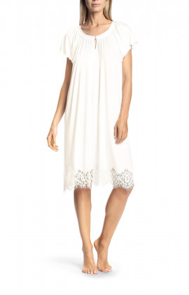 Short-sleeved frilly nightdress with lace - Antonia