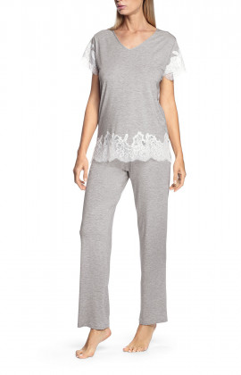 Two-piece pyjamas comprising a short-sleeved top with lace inserts Trousers available in two lengths - Silvia range