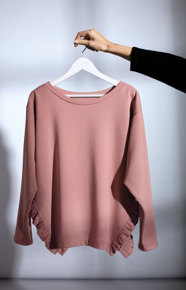 Scoop neck sweatshirt with side slits and ruffles. Coemi Studio