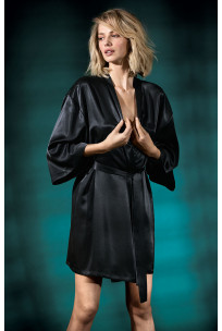 Satin kimono-style robe with loose-fitting sleeves. Coemi-lingerie