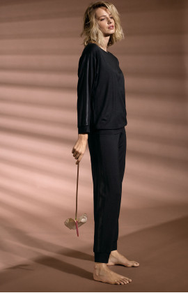 Long, black straight-cut jogger pyjama pants. Coemi Studio