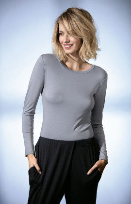 Long-sleeved fitted top with scoop neck. Coemi Studio