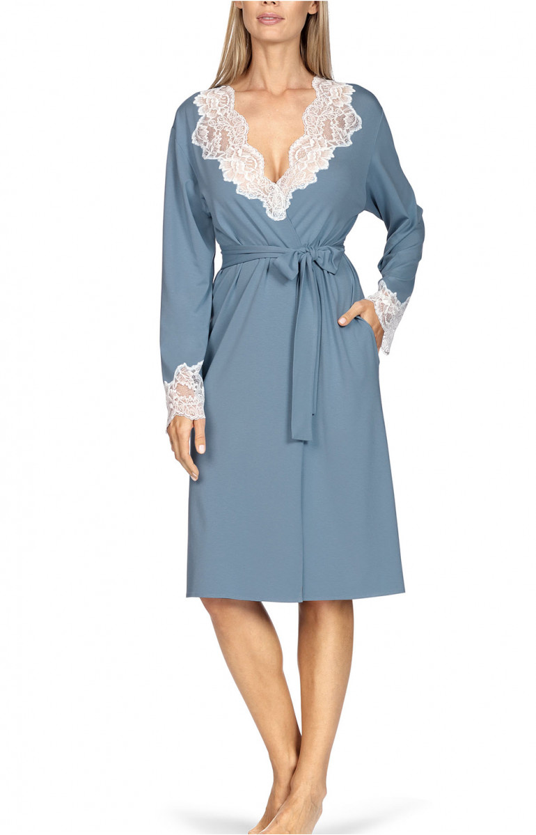 Knee-length robe with lace-trimmed neckline and cuffs. Coemi-lingerie