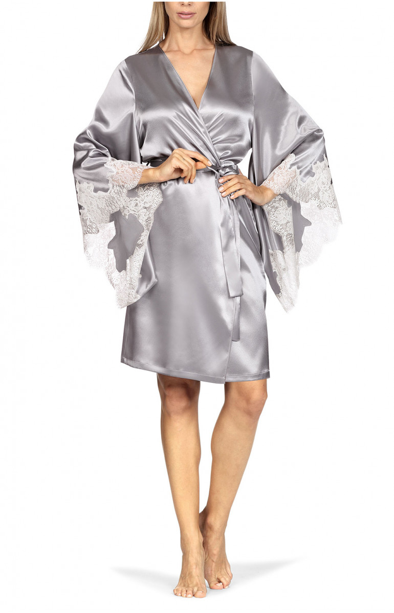 Satin and lace kimono-style robe with long loose-fitting sleeves. Coemi-lingerie