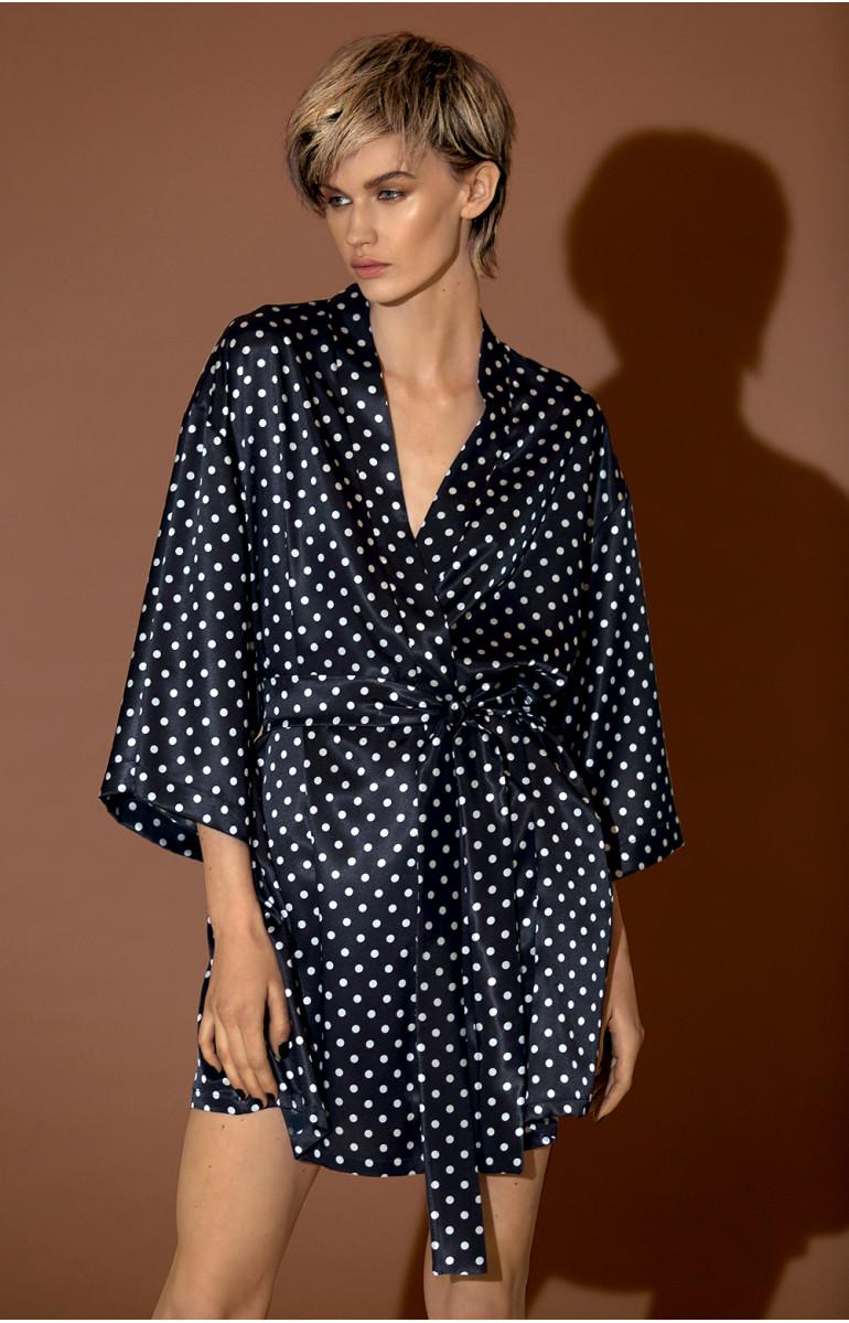 Short kimono with loose-fitting satin three-quarter sleeves. Coemi-lingerie