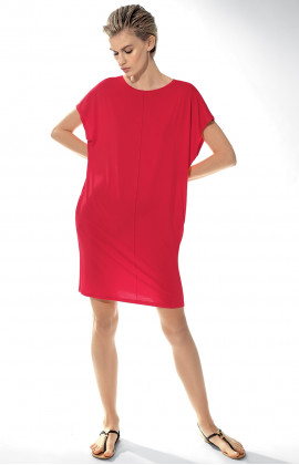 Loose-fitting nightdress with short, flared sleeves.