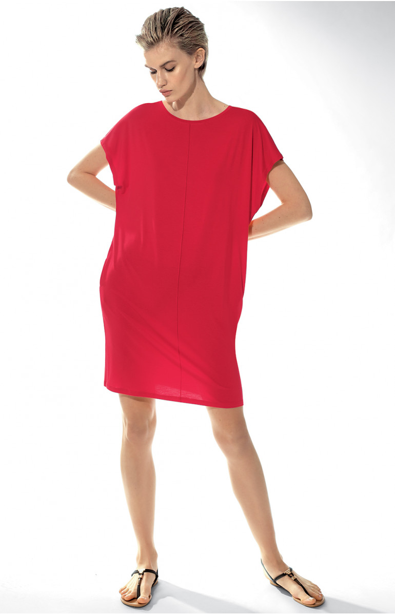 Loose-fitting nightdress with short, flared sleeves. Coemi-lingerie