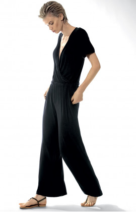 Jumpsuit with V-shaped neckline and short, loose-fitting sleeves.  Coemi-lingerie