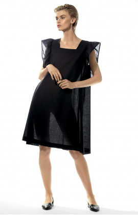 Geometric nightdress with puffed sleeves.