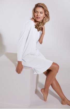 Knee-length batwing sleeve pocket dress. Coemi Lingerie