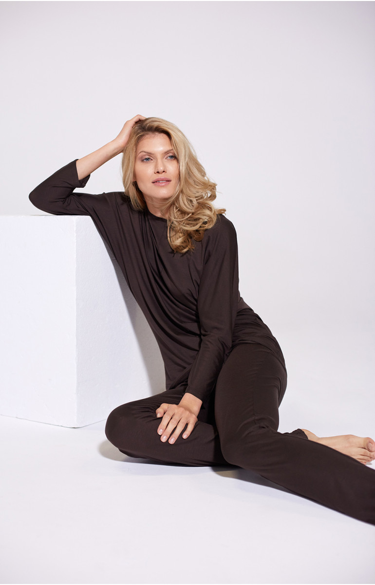 Pyjama set with top and trousers in flowing fabric. Coemi Lingerie