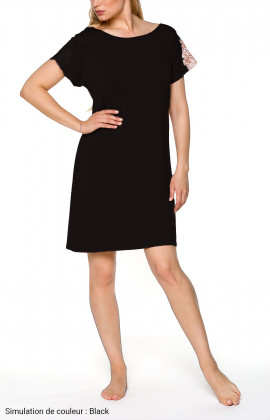 Short-sleeve nightdress with lace at the round neckline