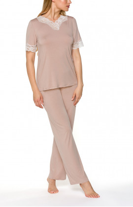 Pyjamas/loungewear with T-shirt-style top and straight-cut bottoms