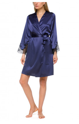 Elegant, short satin dressing gown with belt
