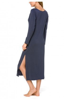 Long nightdress/lounge robe with V-neckline and side slits